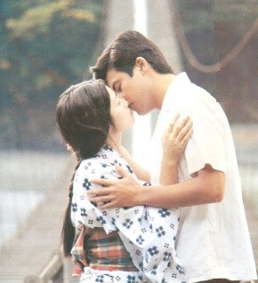 〝ゴールデンカップル〟と呼ばれ、数々の映画、ドラマに共演してきた山口百恵と三浦友和。